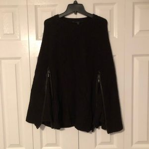 GUESS sweater cape/poncho